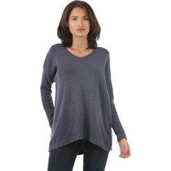 Sweter w kolorze granatowym. Niebieskie swetry klasyczne damskie marki L'étoile du cachemire, z kaszmiru, z okrągłym kołnierzem. W wyprzedaży za 129,95 zł.