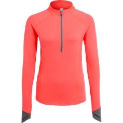 Under Armour RUN TRUE  Bluzka z długim rękawem marathon red. Czerwone bluzki longsleeves Under Armour, xs, z elastanu, sportowe. W wyprzedaży za 215,20 zł.