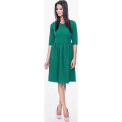 Sukienki balowe: Zielona Sukienka Rozkloszowana z Rękawami do Łokcia
