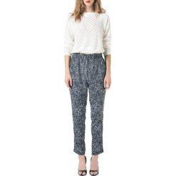 Kardigany damskie: Ażurowy sweter z długimi rękawami