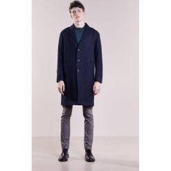 Płaszcze przejściowe męskie: Bruuns Bazaar FLAVIO JANUS Płaszcz wełniany /Płaszcz klasyczny navy