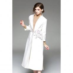Płaszcz w kolorze białym. Białe płaszcze damskie marki Zeraco. W wyprzedaży za 349,95 zł.