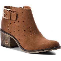 Botki CARINII - B4229 793-000-000-861. Różowe buty zimowe damskie marki Carinii, z materiału, z okrągłym noskiem, na obcasie. W wyprzedaży za 239,00 zł.