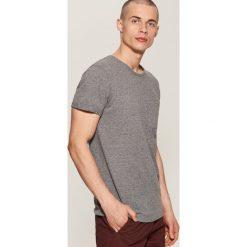 T-shirt z kieszonką - Szary. Szare t-shirty męskie House, l. Za 39,99 zł.