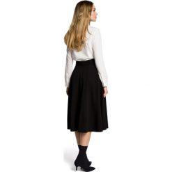 SABRIA Spódnica rozkloszowana z paskiem  - czarna. Czarne spódniczki rozkloszowane Moe, w paski. Za 119,00 zł.