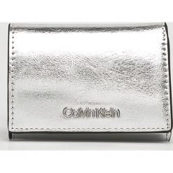 Calvin Klein - Portfel. Szare portfele damskie Calvin Klein, z materiału. Za 229,90 zł.
