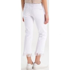 Boyfriendy damskie: 7 for all mankind Jeansy Bootcut white denim