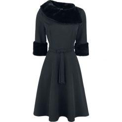 Voodoo Vixen Tabitha Sukienka czarny. Czarne sukienki asymetryczne Voodoo Vixen, na imprezę, xl, vintage, z asymetrycznym kołnierzem. Za 365,90 zł.