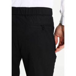 Chinosy męskie: Burton Menswear London WINDSOR  Spodnie materiałowe black