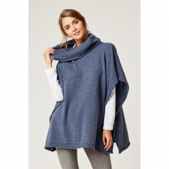 Sweter w kolorze niebieskim. Niebieskie swetry klasyczne damskie marki SCUI. W wyprzedaży za 159,95 zł.