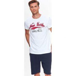T-SHIRT MĘSKI Z NADRUKIEM. Szare t-shirty męskie z nadrukiem Top Secret, na jesień, m, z bawełny. Za 14,99 zł.