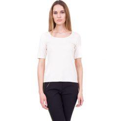 Bluzki asymetryczne: Bluzka ecru z głębokim dekoltem oraz krótkim rękawem BIALCON