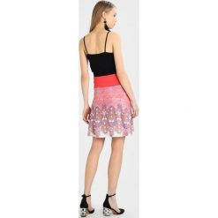 Spódniczki trapezowe: Smash ISA Spódnica trapezowa coral