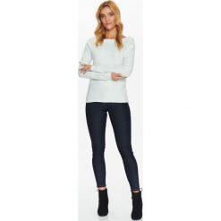 Swetry klasyczne damskie: SWETER Z BARDZO PRZYJEMNEJ DZIANINY Z OPADAJĄCYM RĘKAWEM