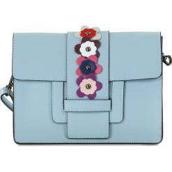 """Skórzana torebka """"Rosie"""" w kolorze błękitnym - 28 x 21 x 10 cm. Niebieskie torebki klasyczne damskie Spécial maroquinerie, z aplikacjami, z materiału, z aplikacjami. W wyprzedaży za 218,95 zł."""