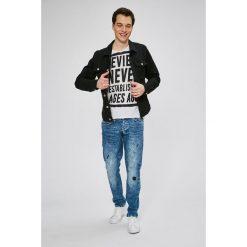 Guess Jeans - Jeansy Sonny. Niebieskie jeansy męskie slim Guess Jeans. W wyprzedaży za 329,90 zł.