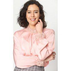 Różowa Bluzka Lace Trims. Czarne bluzki koronkowe marki bonprix. Za 39,99 zł.