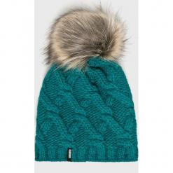 Answear - Czapka. Zielone czapki zimowe damskie marki ANSWEAR, na zimę, z dzianiny. Za 49,90 zł.