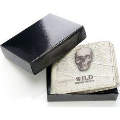 Rasowy portfel męski White Skull w pudełku. Białe portfele męskie Wild, ze skóry. Za 44,90 zł.