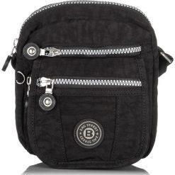 Czarna MAŁA TORBA SASZETKA NA RAMIĘ Z MIKROFIBRY BAG STREET. Czarne torby na ramię męskie marki Bag Street, w paski, z mikrofibry, na ramię, małe. Za 54,90 zł.