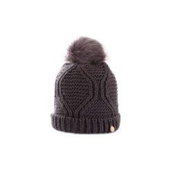 Czapki Guess  AW6801WOL01. Szare czapki zimowe damskie marki Guess, z aplikacjami. Za 180,11 zł.