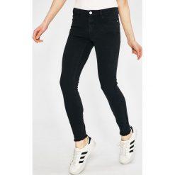 Review - Jeansy Minnie. Niebieskie jeansy damskie Review, z bawełny. Za 129,90 zł.