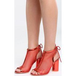 Czerwone Sandały Bobbin Up. Czerwone sandały damskie na słupku Born2be, z materiału, na wysokim obcasie. Za 79,99 zł.
