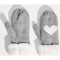 Rękawiczki z jednym palcem - Jasny szar. Szare rękawiczki damskie Sinsay. Za 24,99 zł.