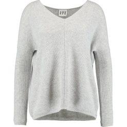 Swetry klasyczne damskie: Amorph Berlin VOKUHILA Sweter grau