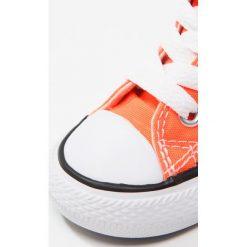 Converse CHUCK TAYLOR ALL STAR  Tenisówki i Trampki wysokie hyper orange. Brązowe trampki chłopięce Converse, z materiału. W wyprzedaży za 161,10 zł.