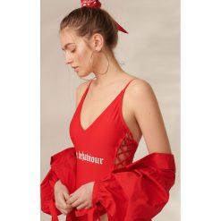 Stroje jednoczęściowe: Jednoczęściowy strój z nadrukiem - Czerwony