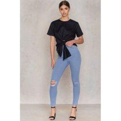 Rurki damskie: NA-KD Rurki z wysokim stanem i rozdarciami na kolanach – Blue