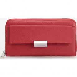 Skórzany portfel - Czerwony. Czerwone portfele damskie Reserved. Za 99,99 zł.