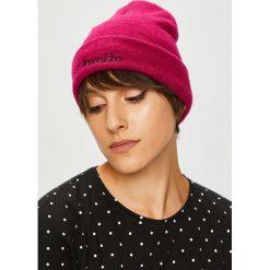 Medicine - Czapka Royal Purple. Fioletowe czapki zimowe damskie MEDICINE, z dzianiny. W wyprzedaży za 39,90 zł.