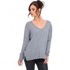 """Sweter """"Talia"""" w kolorze szarym. Szare swetry klasyczne damskie marki Cosy Winter, s, ze splotem. W wyprzedaży za 181,95 zł."""