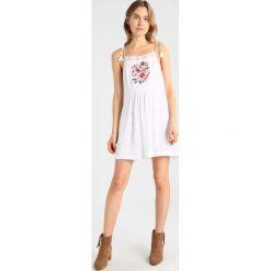 Sukienki hiszpanki: Abercrombie & Fitch TIE SHOULDER EMBOIDERED SWING  Sukienka letnia white