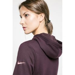 Nike - Bluza. Czarne bluzy sportowe damskie Nike, l, z nadrukiem, z dzianiny, z kapturem. W wyprzedaży za 139,90 zł.