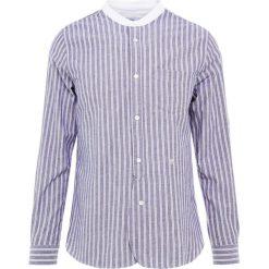 CLOSED COLLARLESS REGULAR FIT Koszula dark night. Niebieskie koszule męskie CLOSED, m, z bawełny. Za 589,00 zł.