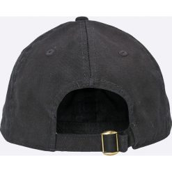 Only & Sons - Czapka. Czarne czapki z daszkiem męskie Only & Sons, z bawełny. W wyprzedaży za 39,90 zł.