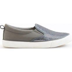 Tenisówki typu slip on - Szary. Brązowe buty sportowe chłopięce marki Reserved. W wyprzedaży za 29,99 zł.