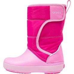 Crocs LODGEPOINT SNOW Kozaki candy pink/party pink. Czarne buty zimowe damskie marki Crocs, z materiału. W wyprzedaży za 131,40 zł.