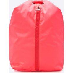 Under Armour - Plecak Essentials. Różowe plecaki damskie Under Armour. W wyprzedaży za 99,90 zł.