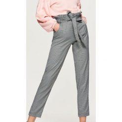 Bluzy damskie: Gładka bluza z balonowymi rękawami – Różowy