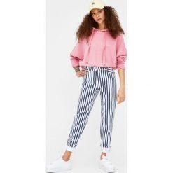 Bluza basic z kapturem. Szare bluzy męskie rozpinane marki Pull & Bear, okrągłe. Za 39,90 zł.