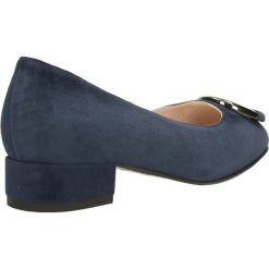 Czółenka MIHO. Niebieskie buty ślubne damskie Gino Rossi, ze skóry, na niskim obcasie. Za 299,90 zł.