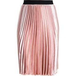 Spódniczki trapezowe: Louche KAMEA Spódnica trapezowa pink