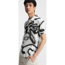 Lacoste LIVE Koszulka polo farine/noir. Białe koszulki polo marki Lacoste LIVE, m, z bawełny. W wyprzedaży za 375,20 zł.