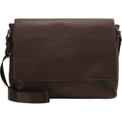 KIOMI Torba na ramię brown. Brązowe torby na ramię męskie marki Kazar, ze skóry, przez ramię, małe. W wyprzedaży za 126,65 zł.