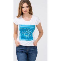 T-shirty damskie: T-shirt z nadrukiem i napisami II