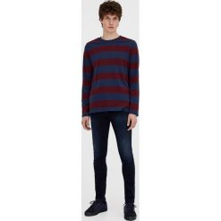 Czarne jeansy super skinny fit. Szare jeansy męskie relaxed fit marki Pull & Bear, moro. Za 59,90 zł.
